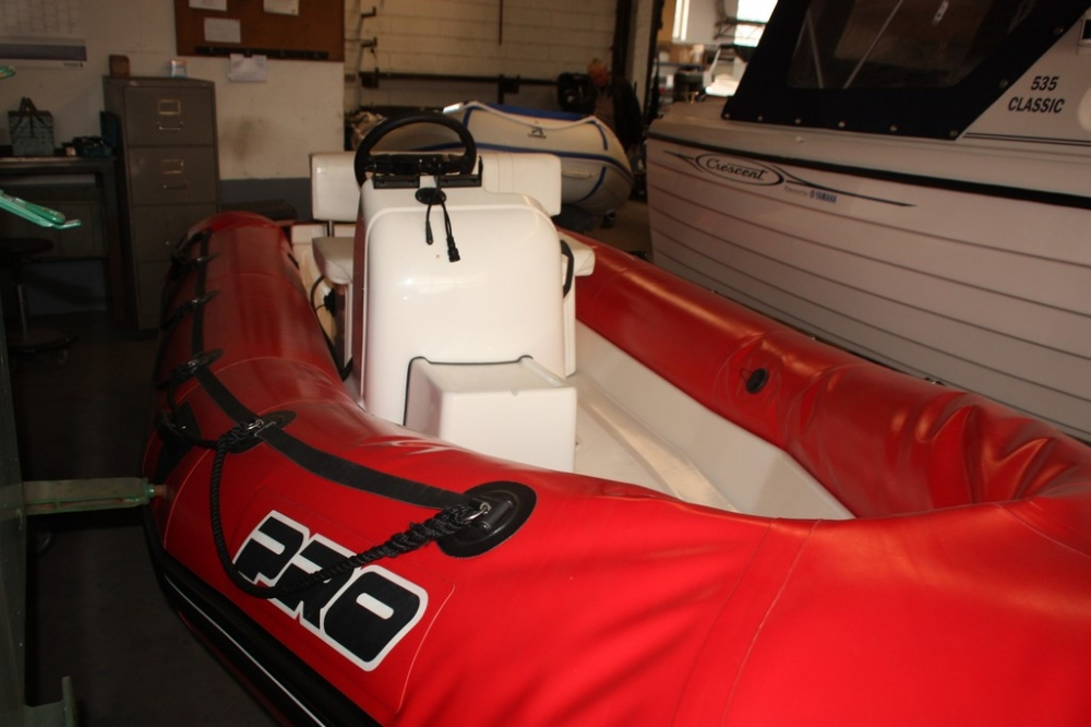 Boat Seat Dimensions : Inflatable boat zodiac pro double seat and steering