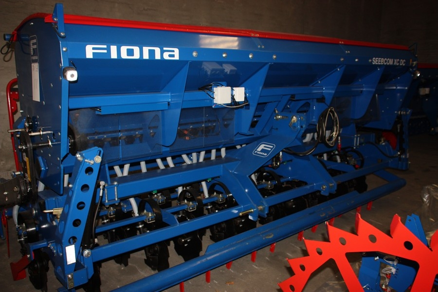 Fiona Seedcom XC DC, Orion XR 4.0, SN: HP05442. Unused combination seeder. Comes with used toot ...