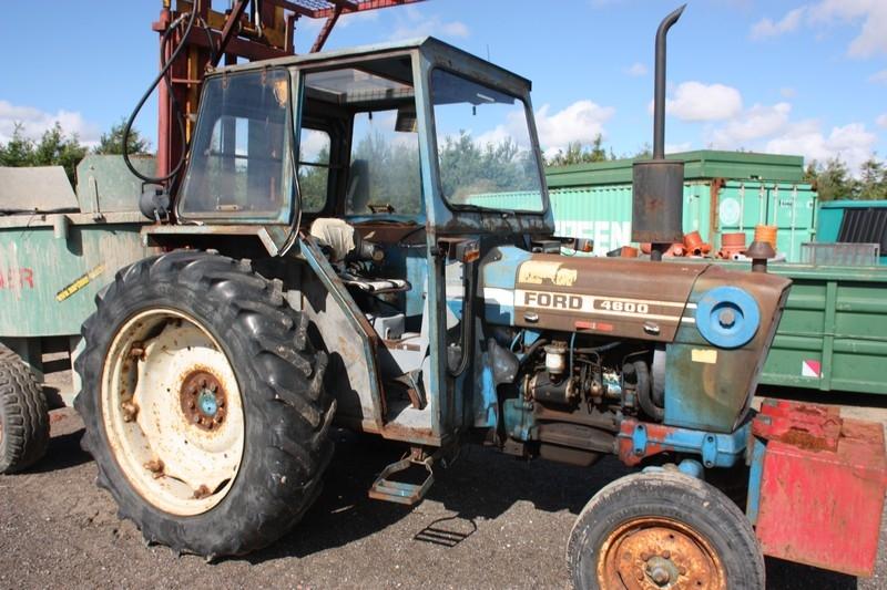 Traktor, Ford 4600. Monteret med byggelift. Driftstimer: 4073 - KJ Auktion - Maskinauktioner
