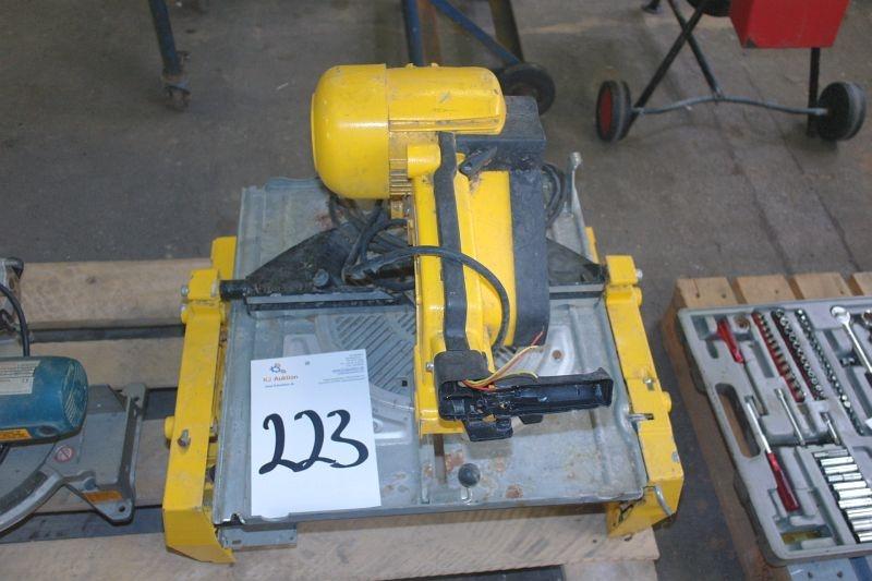 DeWalt DW743 kap/geringssav (Stand ubekendt) - KJ Auktion - Maskinauktioner