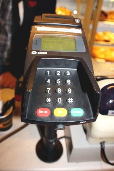 Kasseapparat med bonskriver + ældre dankortautomat - KJ Auktion - Maskinauktioner