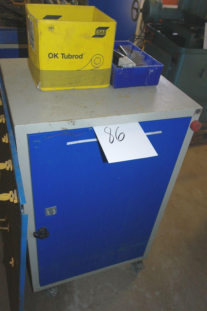 Værktøjsskab, Blika med indhold div svejseglas + værktøjstavle - KJ Auktion - Maskinauktioner
