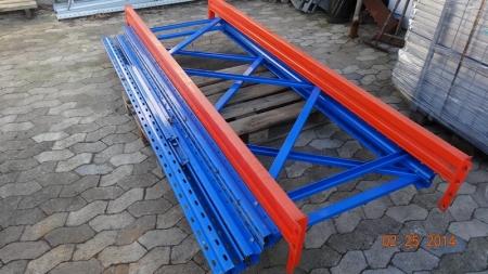 Pallereol - 3 stiger, ca. 100 x 247 cm og 2 bjælker, ca. 268 x 13 cm