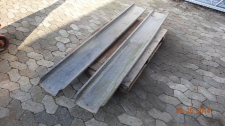 Slidsker - 2 stk galvaniseret jern, ca. 200 x 27 cm