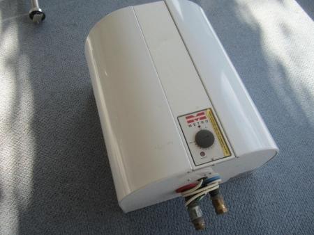 Vandvarmer Metro type 907, 30 liter, 230/400 volt, 1,2/3,6 KW - KJ Auktion - Maskinauktioner