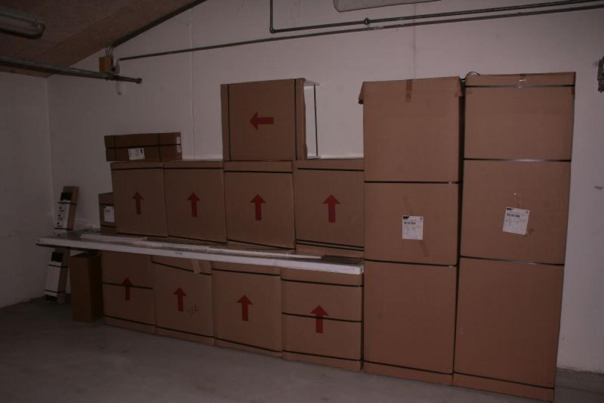 HTH køkken i original ubrudt emballage Alle skabe er bredde 60 cm.2 ...