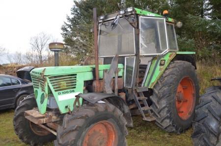 Traktor, Deutz D100 06. 4WD. Meget rust i døre. Rotorblink. Defekte bremser og kryds i 4 wd ...