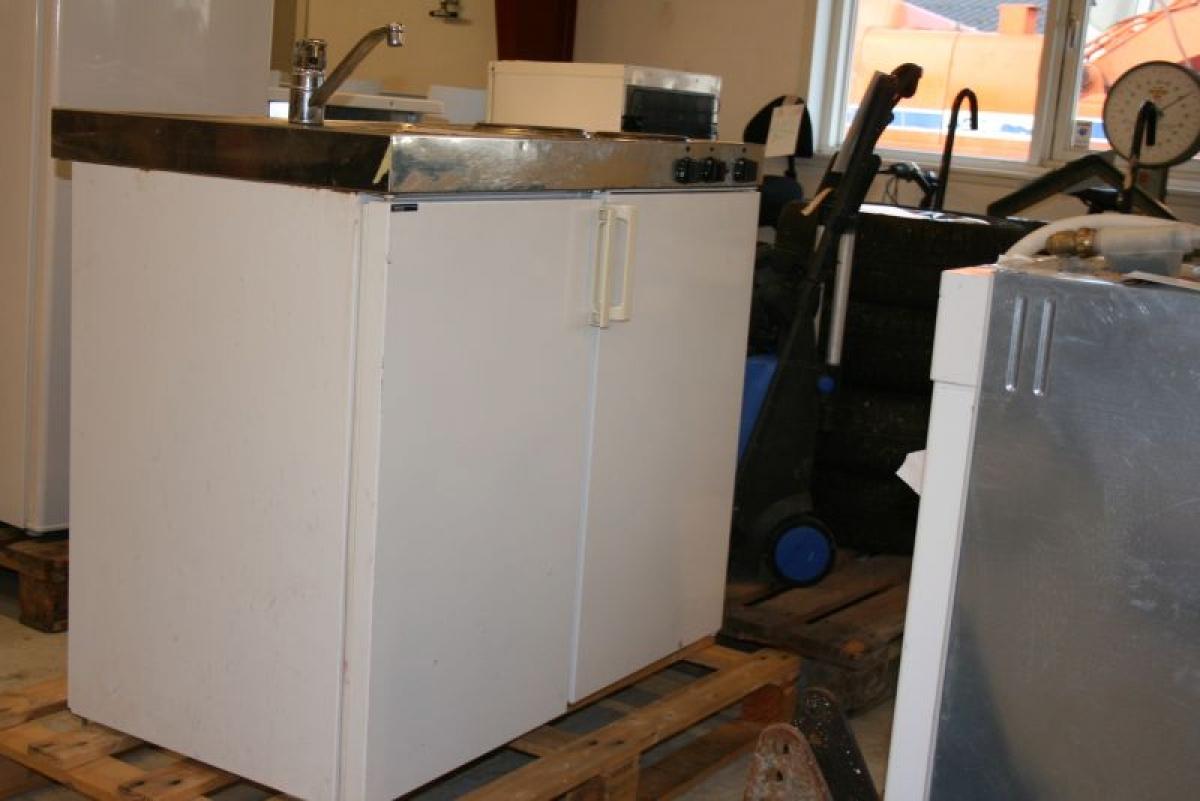Miniküche Mit Kühlschrank Und Spüle : Mini küche mrk intra mit spüle wasserhahn zwei kochplatten