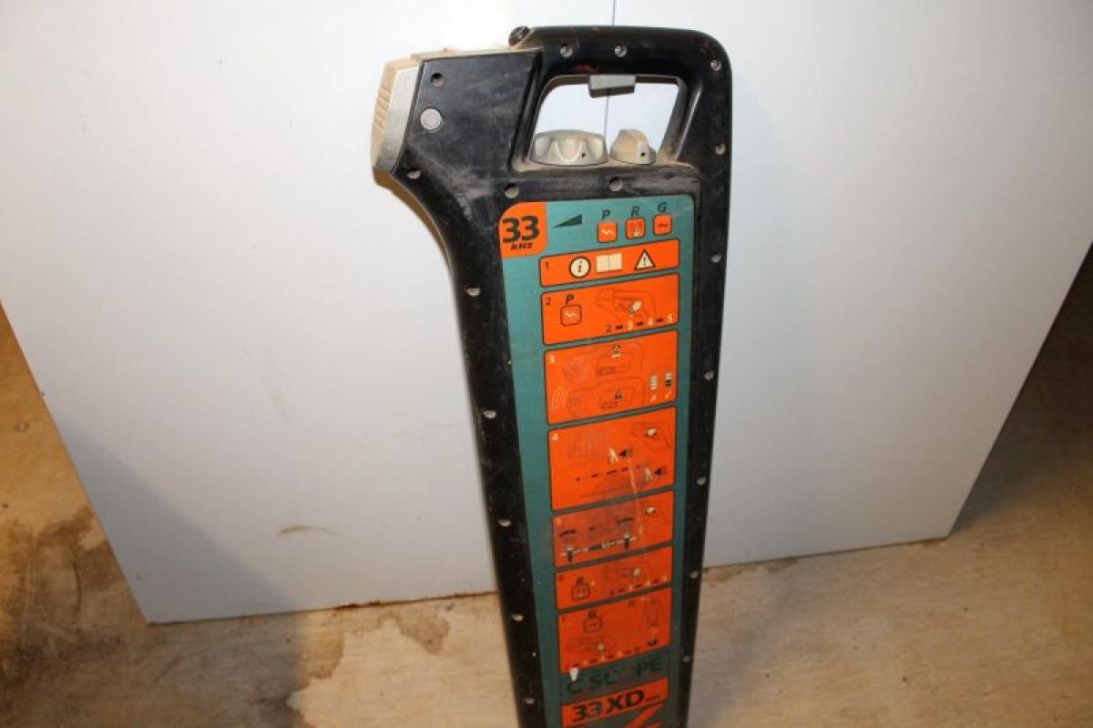 kabelsucher suchen, c. scope 33 xd. archivbild - kj auktion