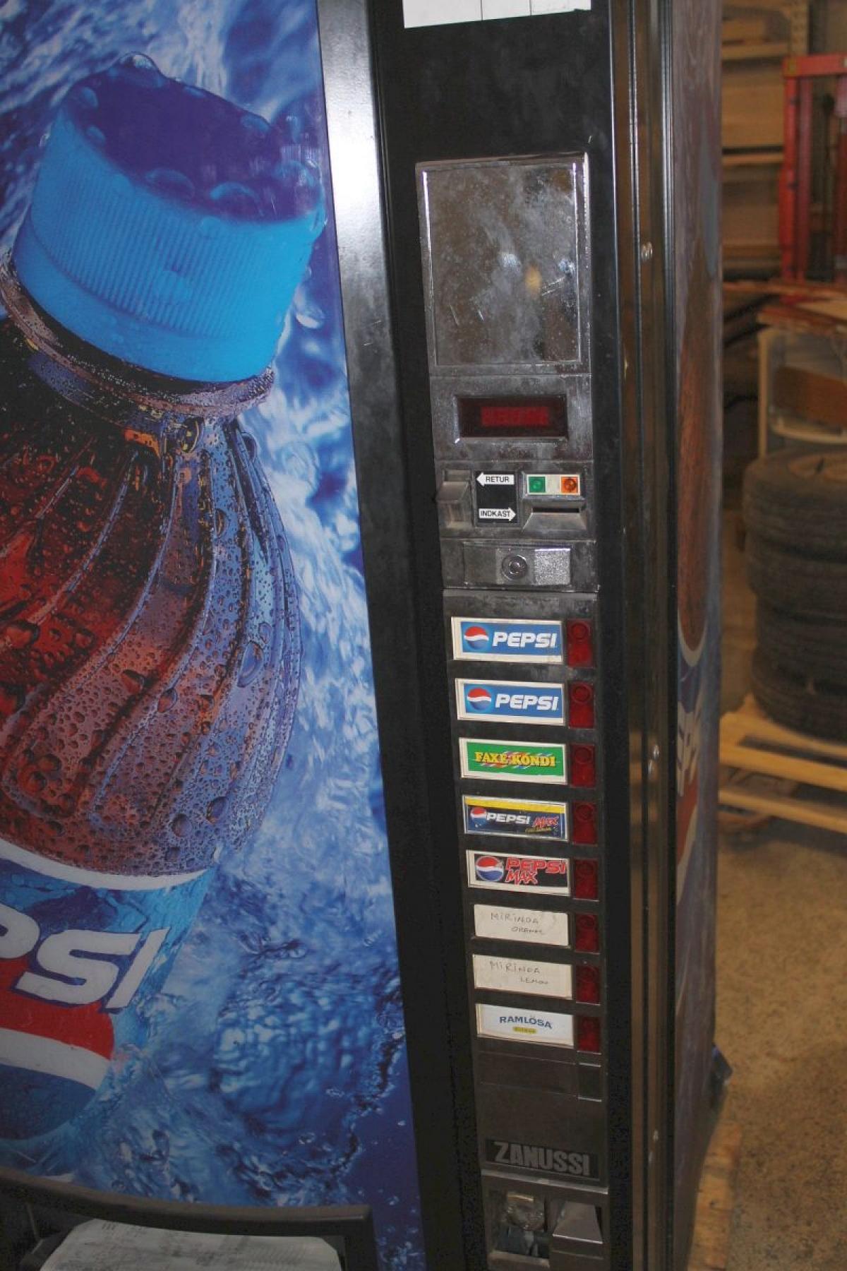 Pepsi Kühlschrank mit Schlüssel und Unterricht - KJ Auktion ...