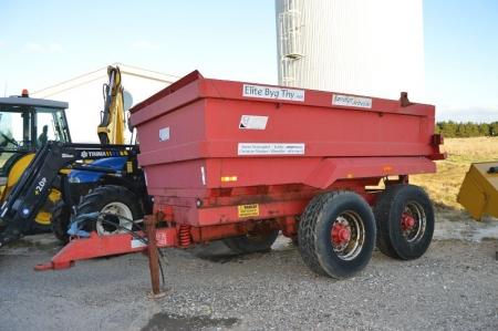 Hydraulisk tipvogn for traktor. 16 ton. JPM Trailer, 16 ton dumper. 2 aksler. Godt dækmønster. Reg. nr. 7930. Nummerplade medfølger ikke medmindre omregistrering sker inden vognen forlader sælgers plads. Husk NEM-ID