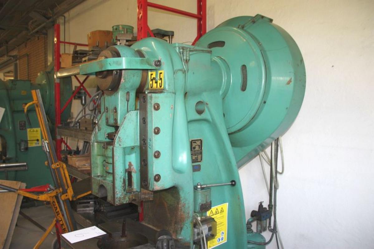 Eccentric, PMB EPF 45. Year 1971. Press force: 45 ton. Weight 2900 ...