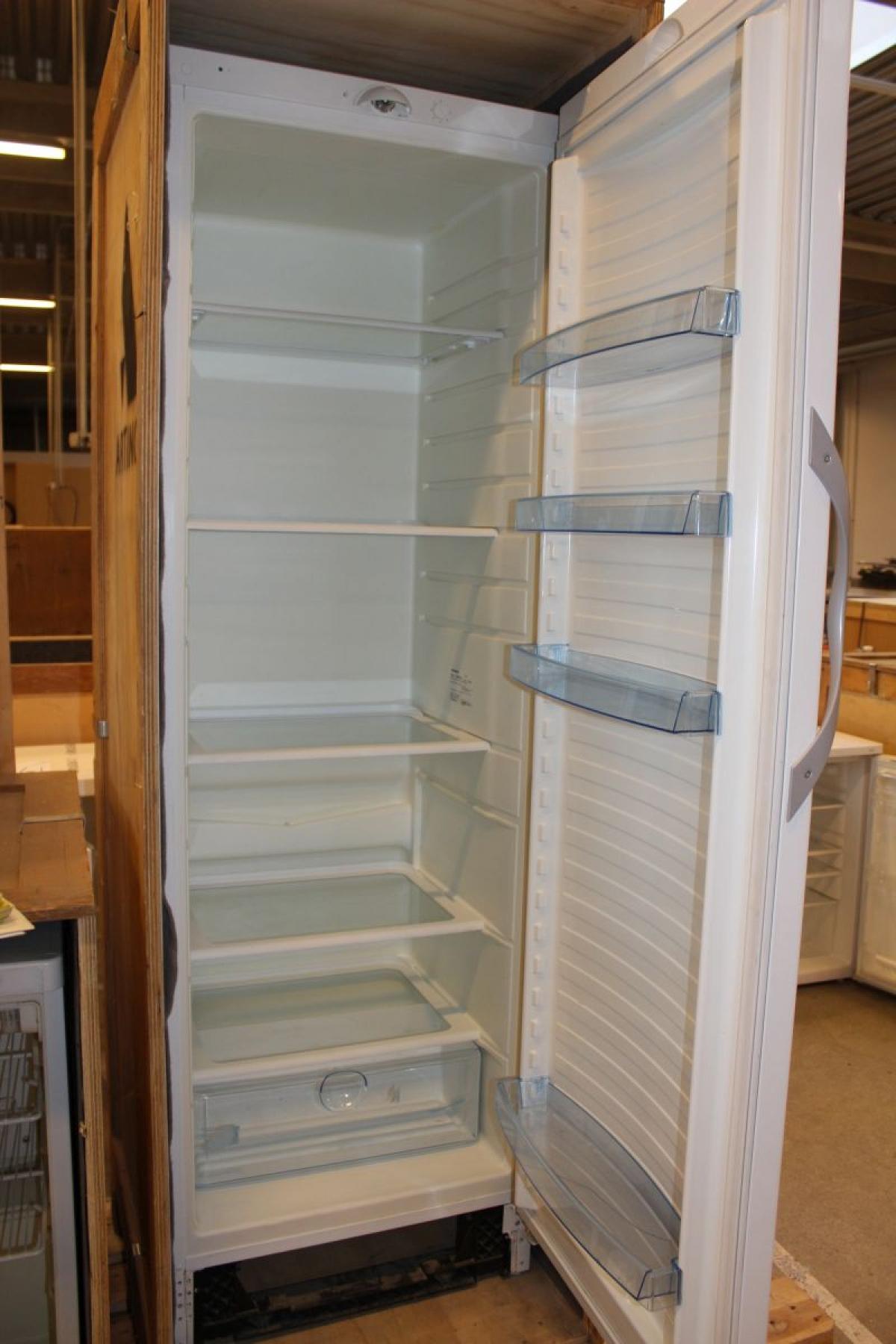 Vestfrost Kühlschrank, 353 l Modell: SX 368R, weiß - KJ Auktion ...