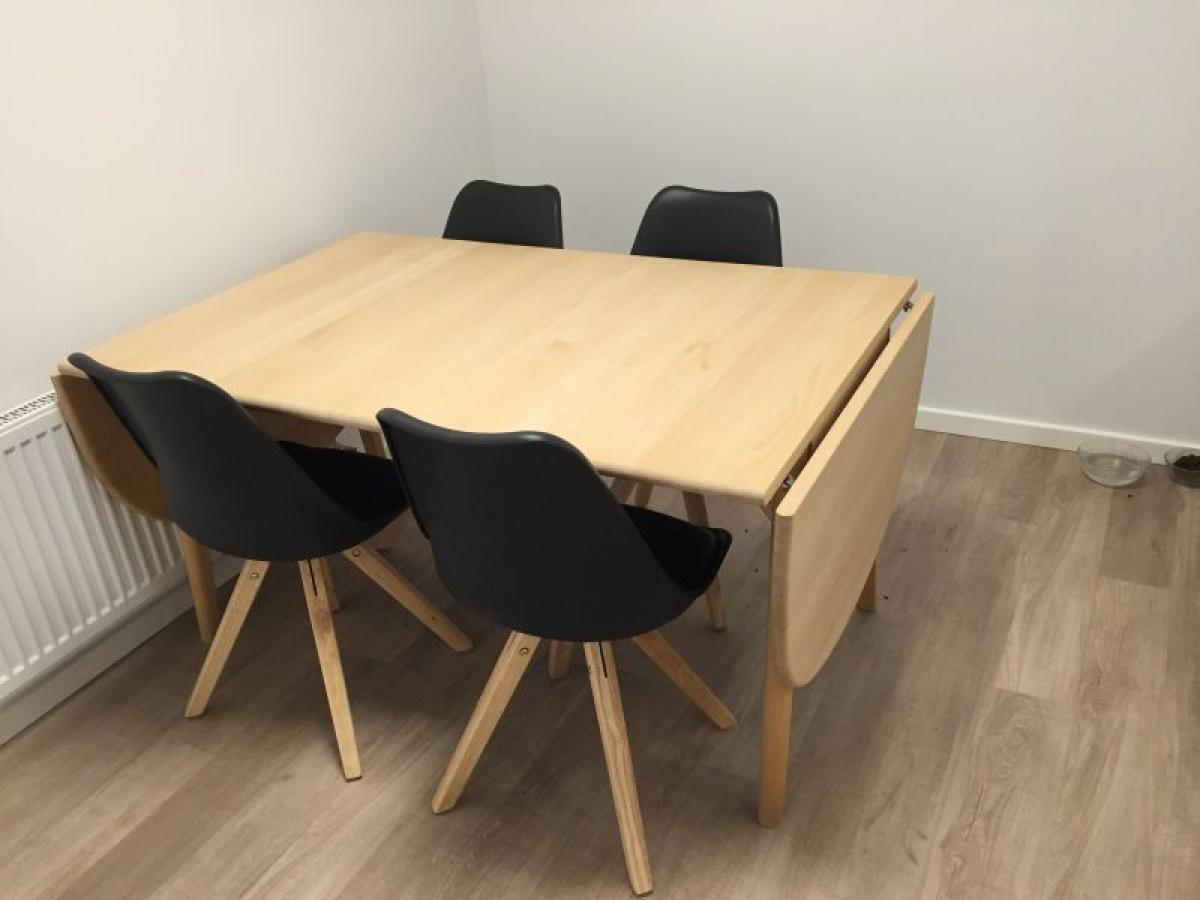 spisebord bøg Wegner spisebord i massiv bøg L: 137 cm. b: 90 cm. 2 x  spisebord bøg