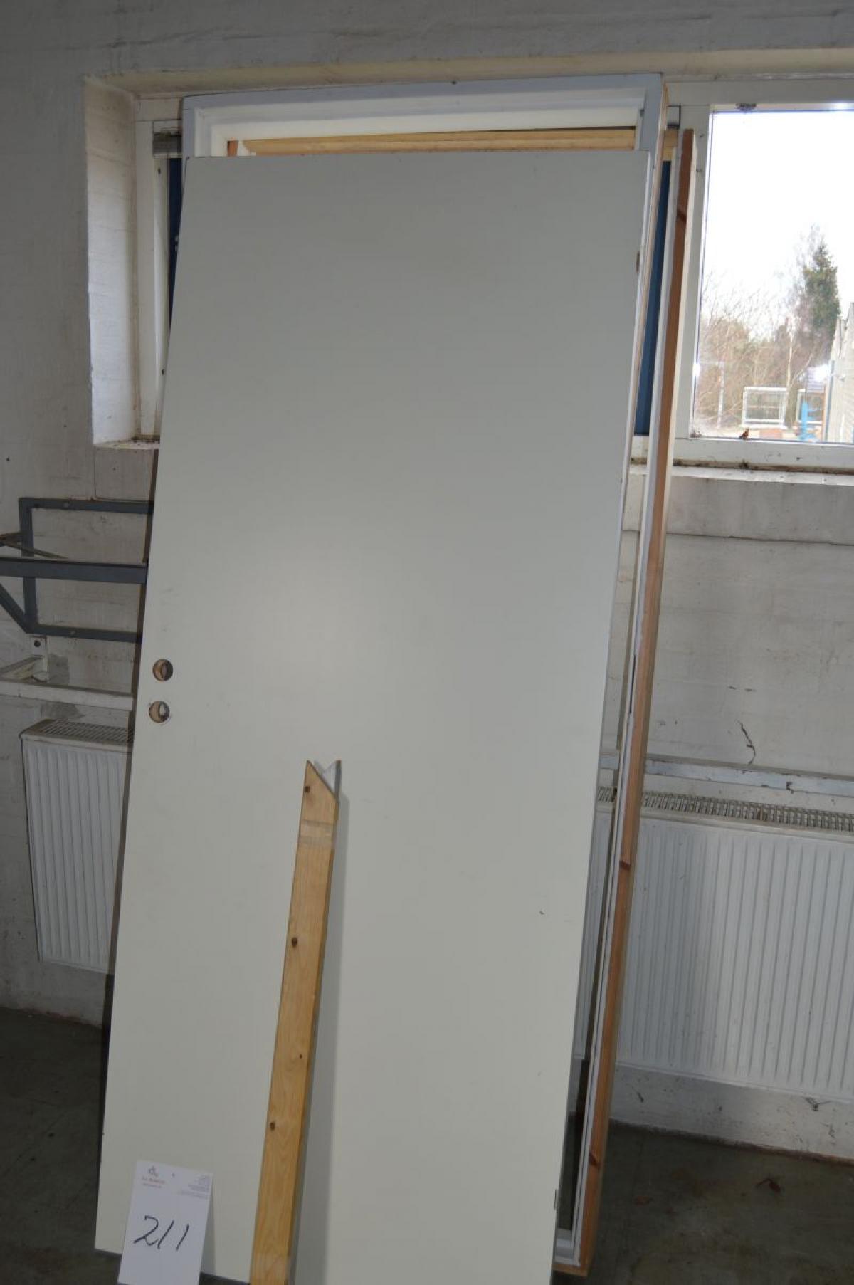 Innentürrahmen + +Schiebetür mit Rollen - KJ Auktion - Maschinen ...