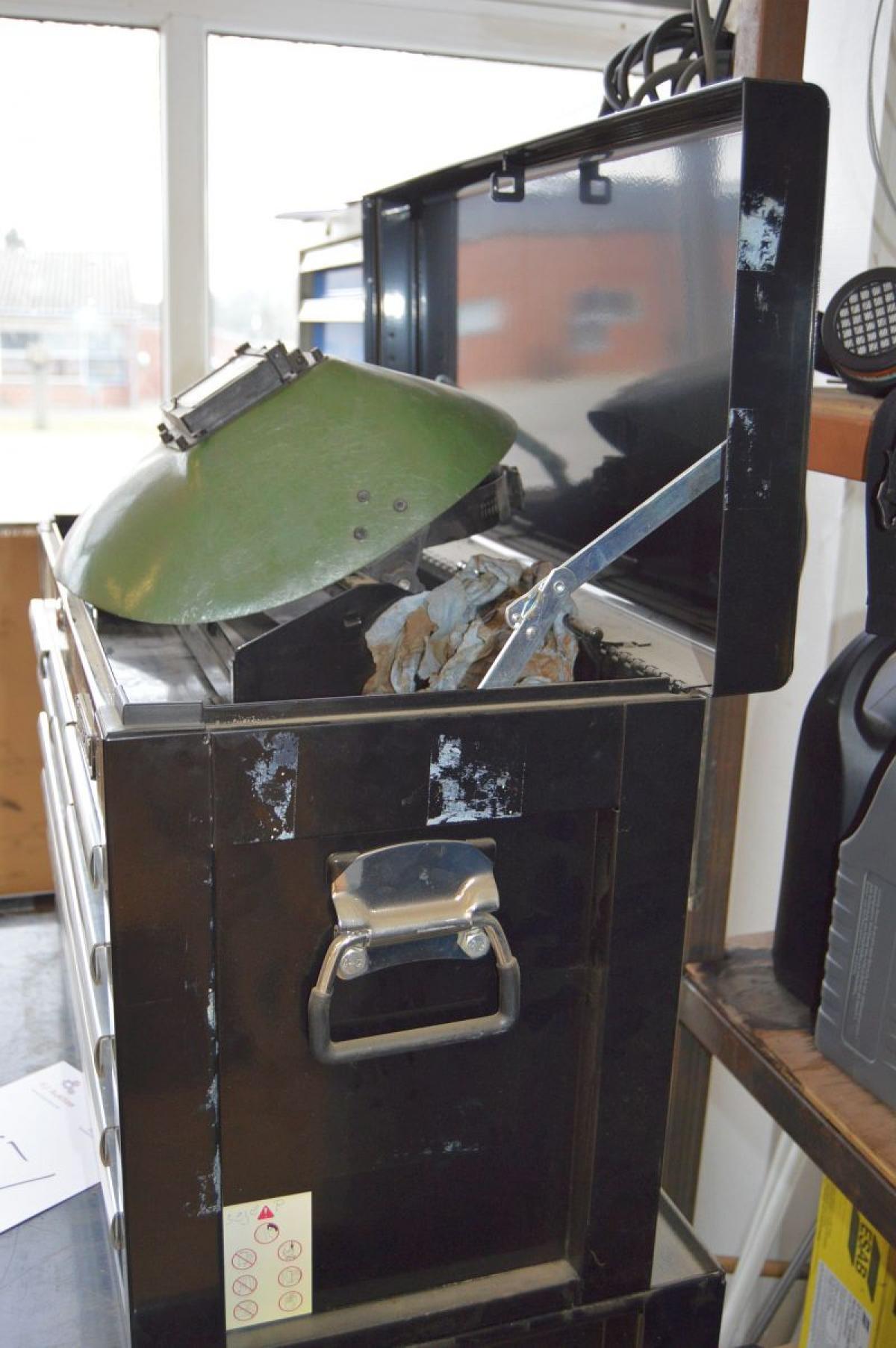 Werkzeugschränke, Wisent. 3 breite Schubladen und 6 kleine ...