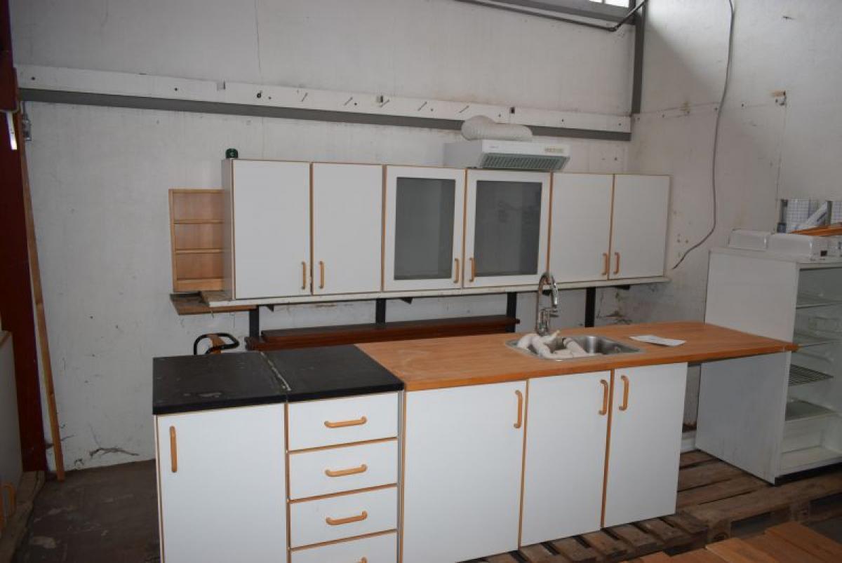 Komplet køkken med 4 stk. dobbelt låge skabe + 4 stk. enkeltlåge ...