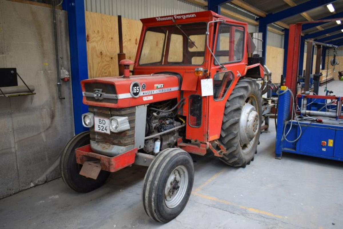 Ferguson To Lift Arms : Tractor massey ferguson without lift arm with