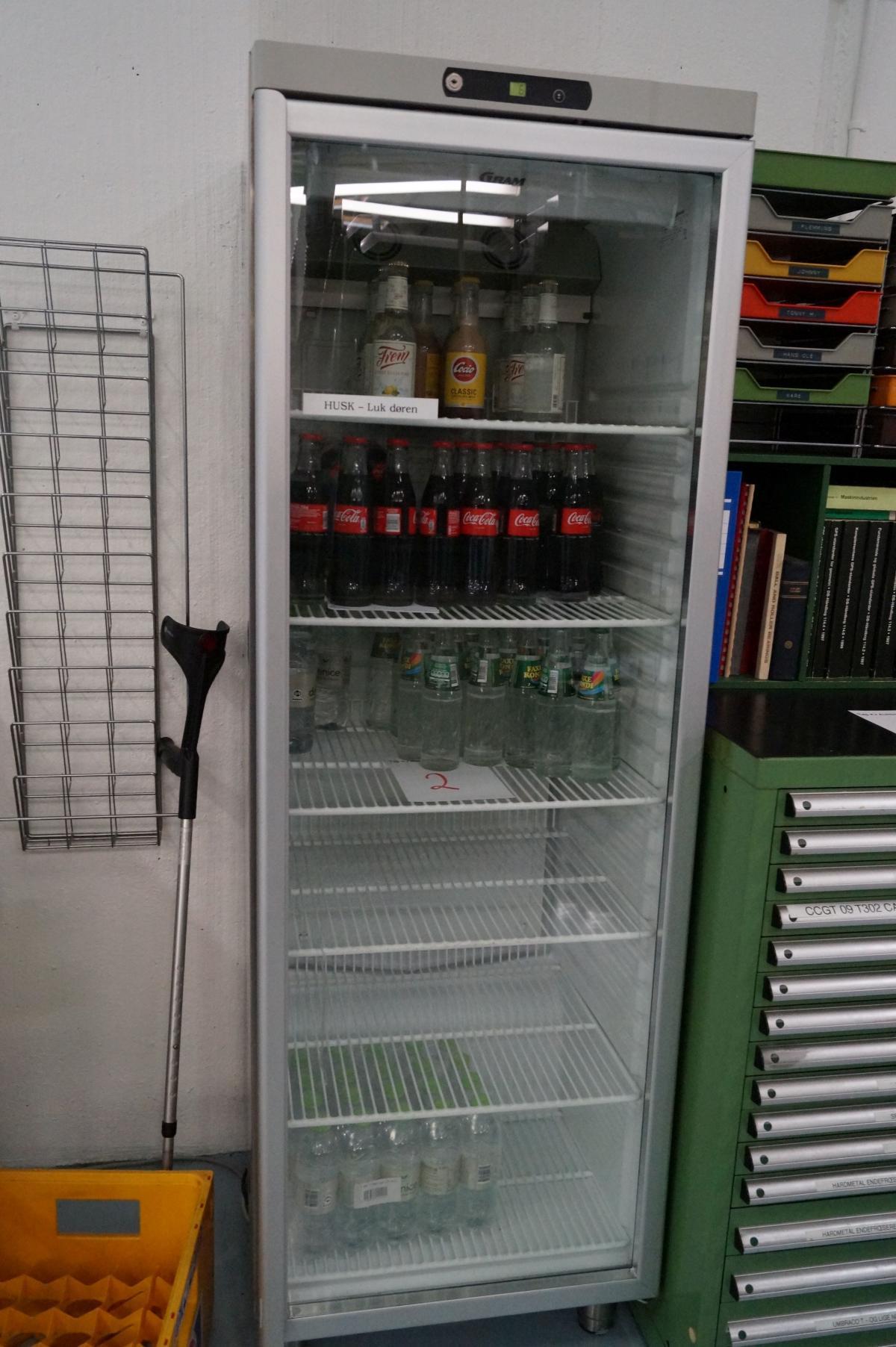 Kühlschrank mit Glastür Marke Gramm ohne Inhalt. - KJ Auktion ...