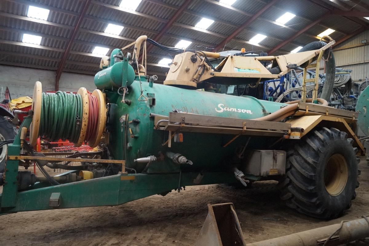 Slamsuger/ Spuler Samson model MR 4 6004. stel nr 3831, årgang 1985 Styreboks og fjernbetjening ...