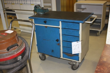 Blika værktøjsskab på hjul med skruestik - KJ Auktion - Maskinauktioner