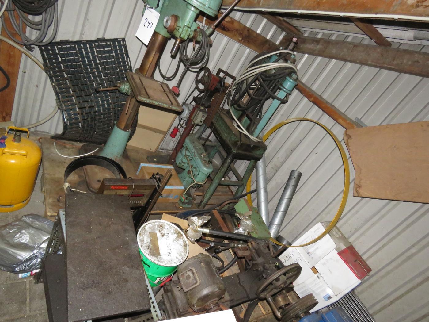 Diverse ældre maskiner. Stand kendes ikke. - KJ Auktion - Maskinauktioner