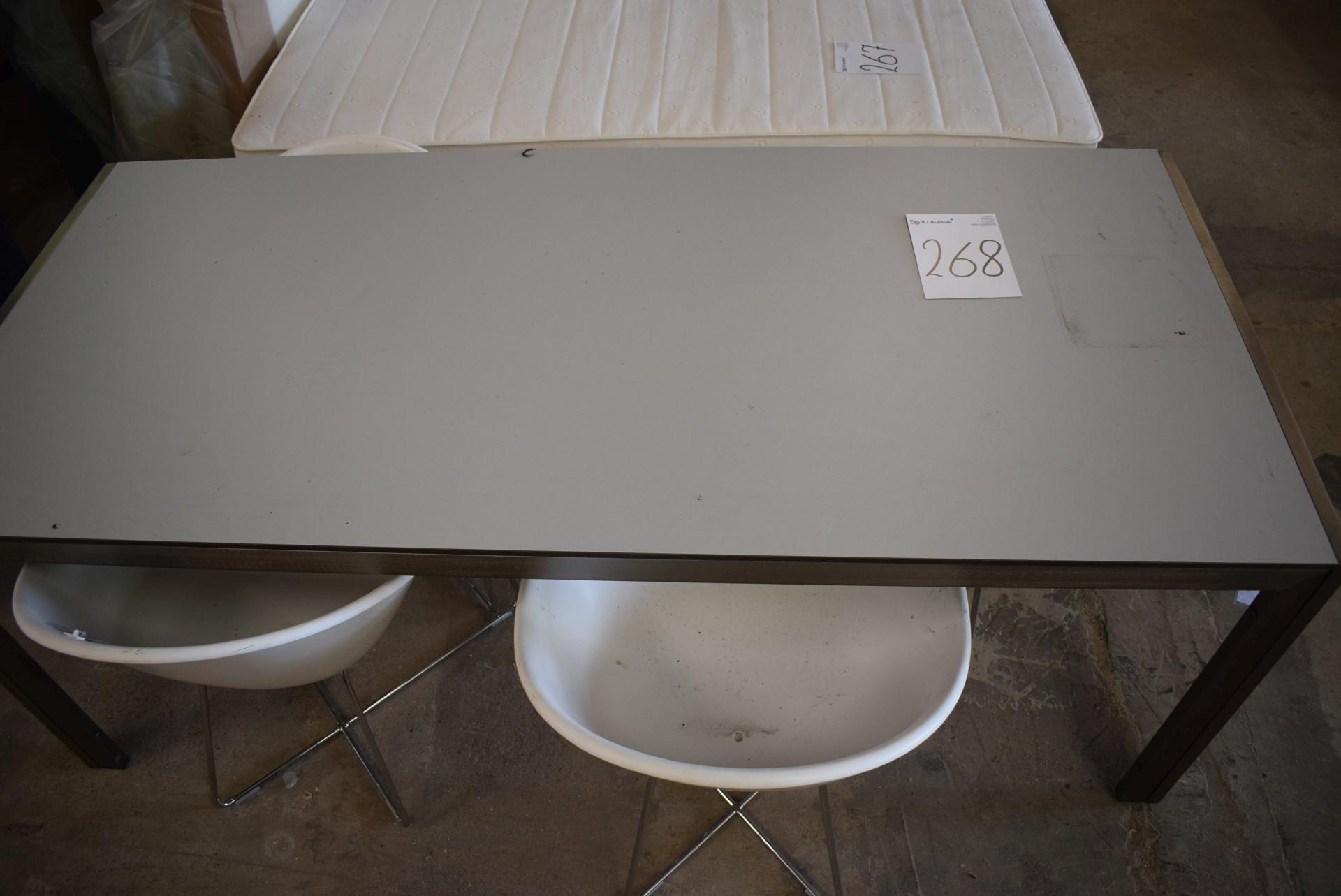 Esstisch 90 X 200 Cm 4 Stk Plastikstuhle Kj Auktion Maschinen