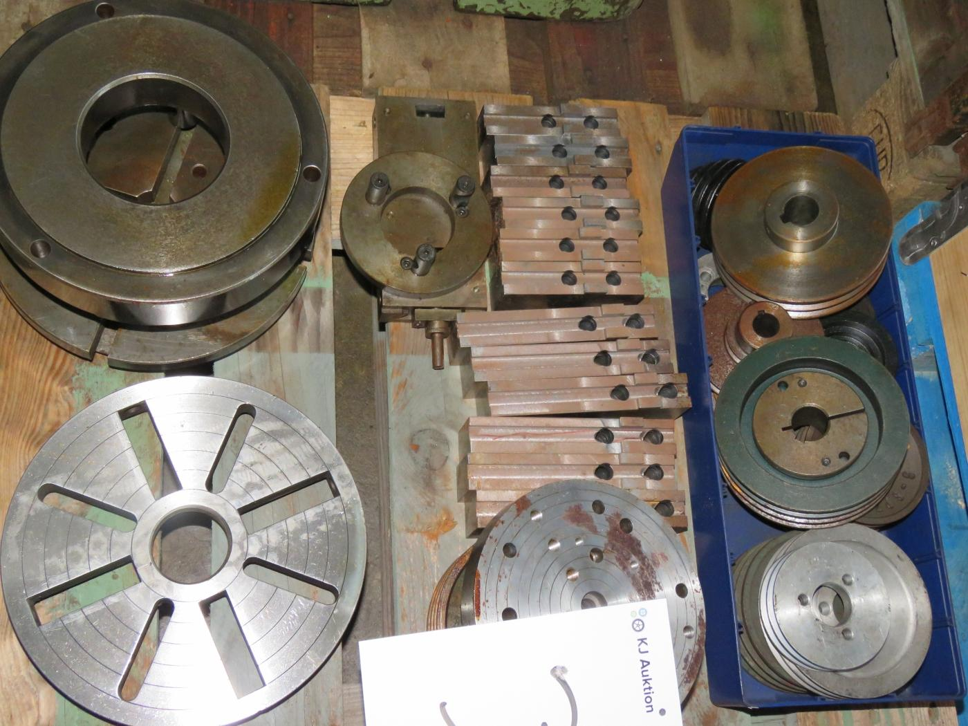 History Of Pulleys And Gears : Pallet with various gears pulleys kamlock flanks kj