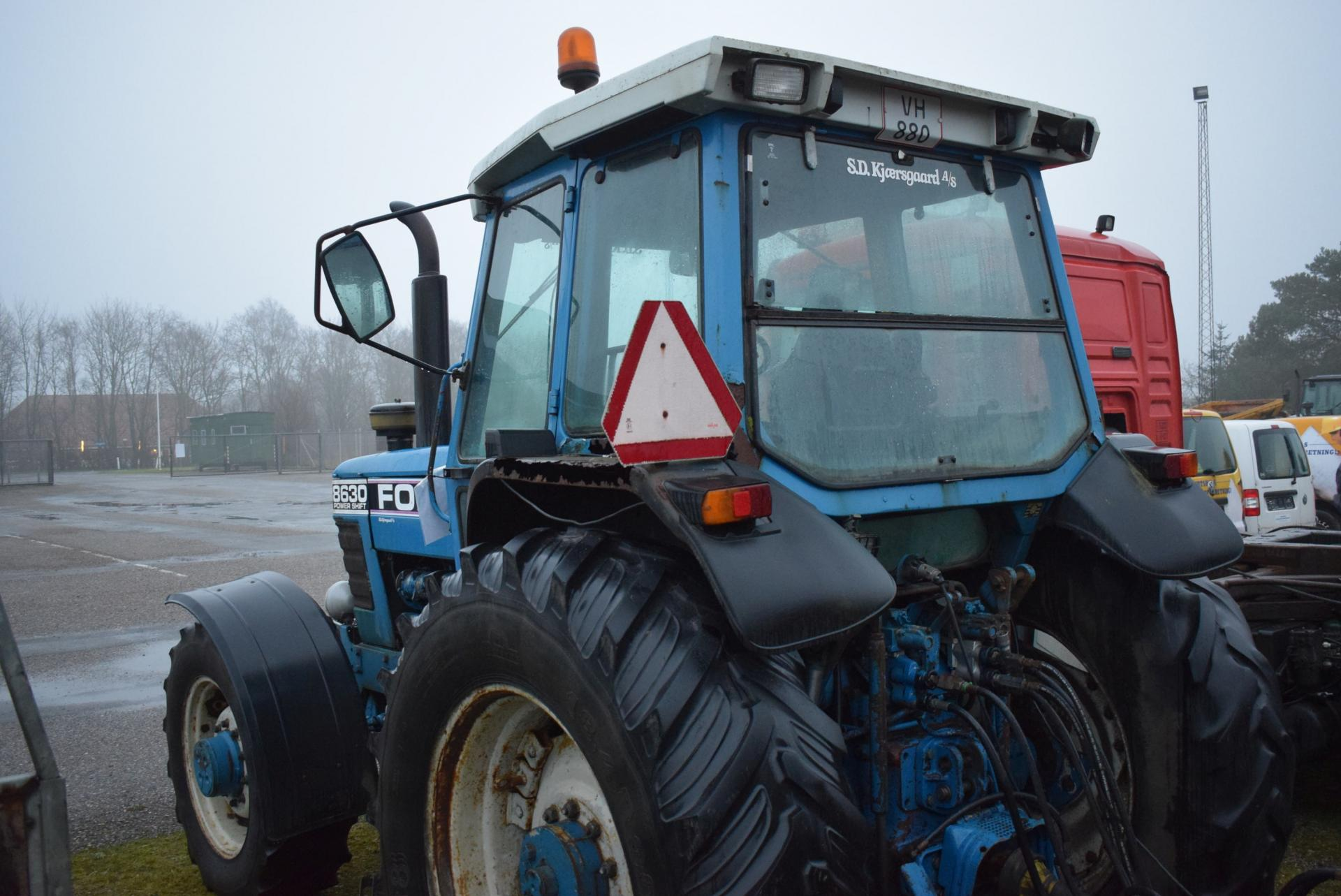 880 Ford Tractors : Tractor ford powershift vh timer with front