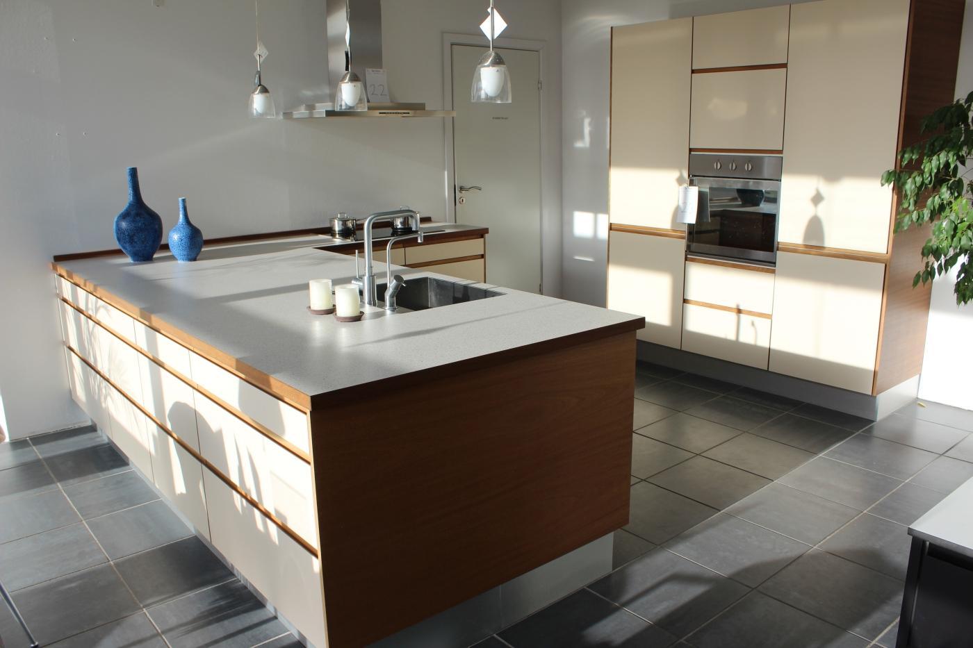 Køkkenmiljø, Køkken, laminatbordplade m/underlimet vask, Blanco bl ...