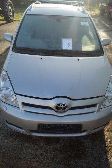 Toyota Corolla Verso. 2,2 D-4d, d Cat Sport. Reg. Nr.: XT93881. Første reg.: 14-07-2006. Kan ikke starte.