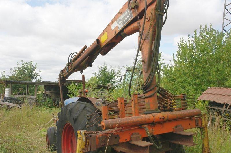 Fordson Major traktor med bagmonteret HIAB kran. Oplyst har ikke været i brug. - KJ Auktion ...